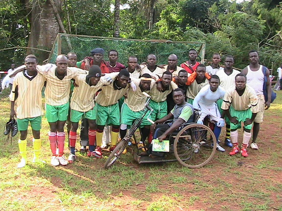 COACH_IBRAHIM_Of_Meleti_Football_Club_of_Nditam_hititp.org2011 photo by O. Mebouack.JPG