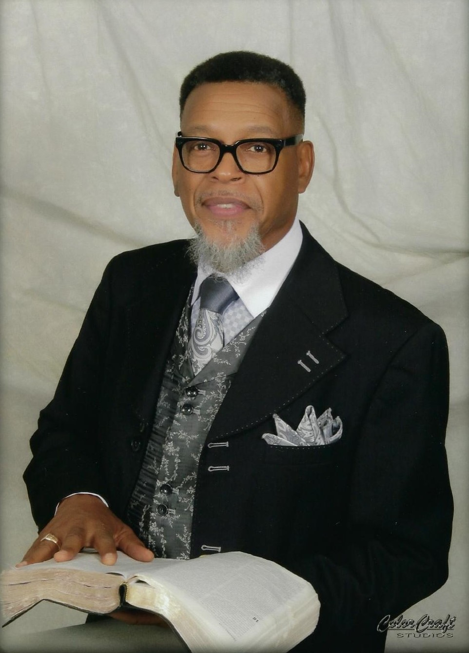 [Profile picture Pastor Dwight Anthony Davis.jpg]